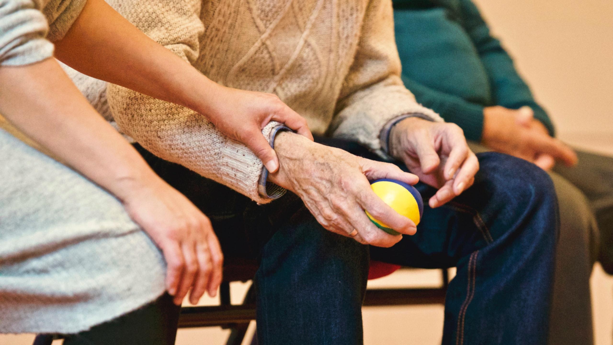 5-tips-for-effective-long-distance-caregiving