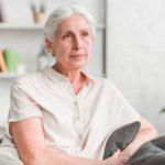 वय वाढत असताना आहार व्यवस्थित घेतला नाही तर होणारे ५ आजार