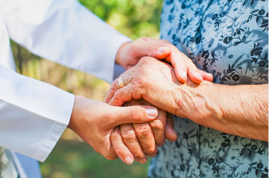 caregiving-guide-for-elderly-patients-with-post-traumatic-stress-disorder