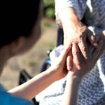 Hiring a caregiver for your parents: what to look for?