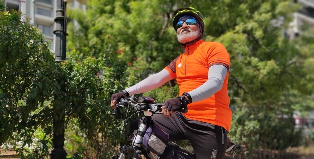 Watch: 63-Year-old Suresh Mane Cycles Kashmir to Kanyakumari in 28 Days
